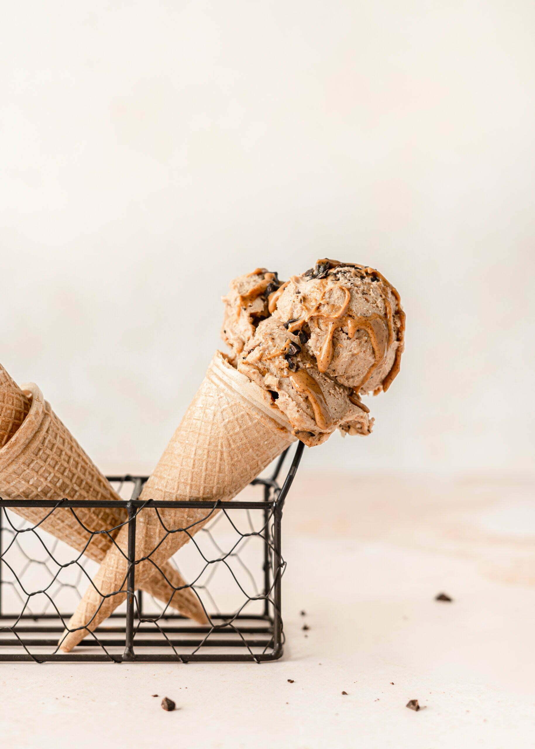 Sladoled z arašidovim maslom