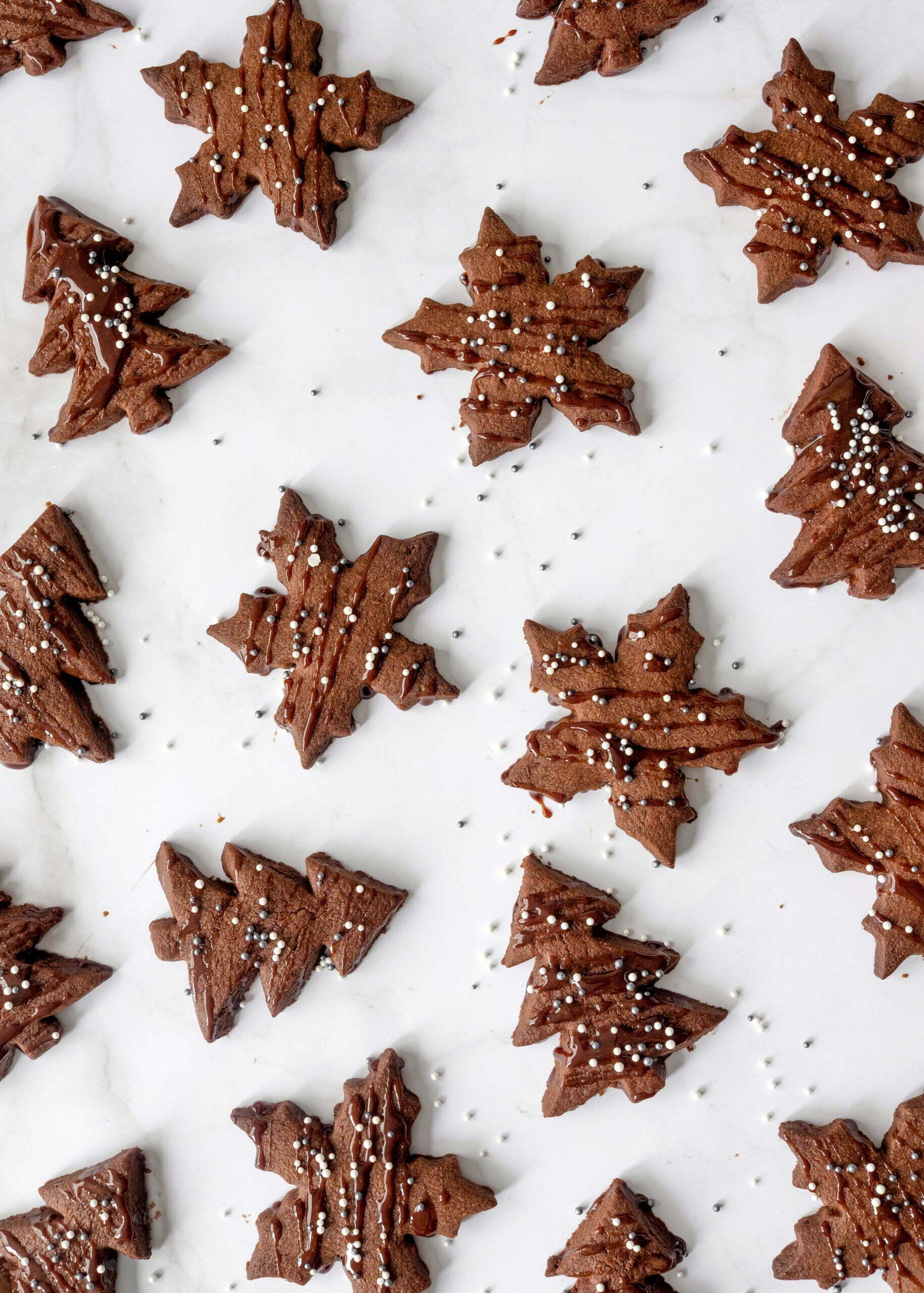 Praznični kakavovi piškoti s čokoladnim kremnim medom