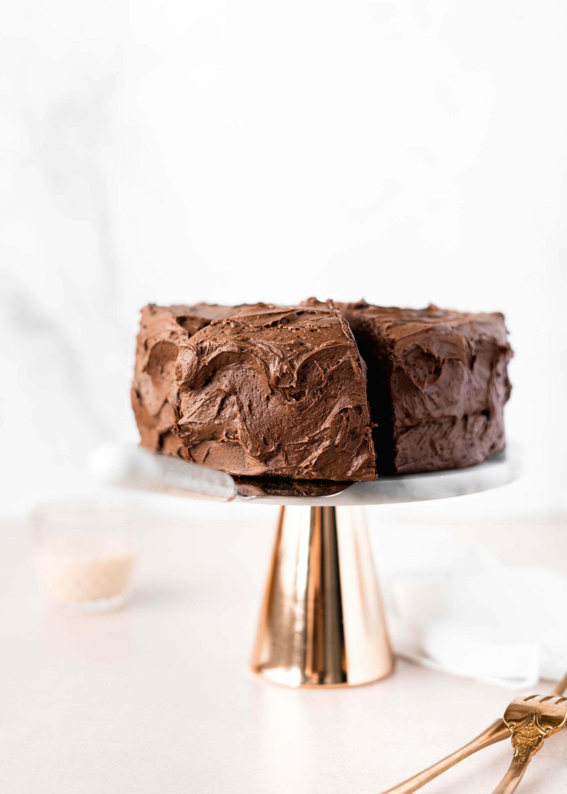 Klasična čokoladna torta s čokoladno kavno rumovo kremo