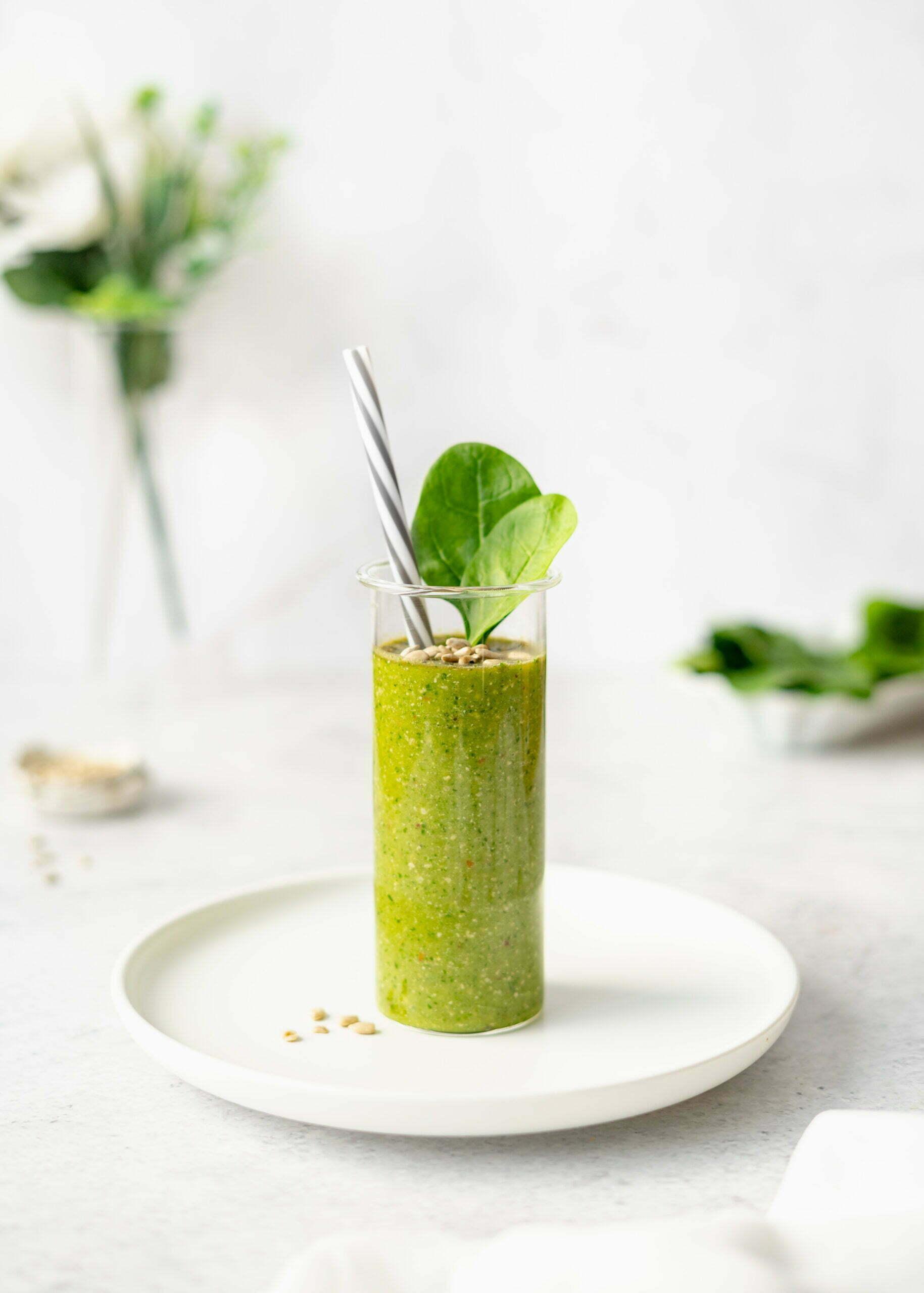 Zelen smoothie s semeni